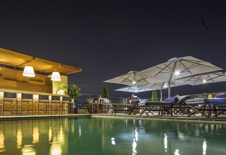 O Monot Hotel, Beirut, Alberca al aire libre