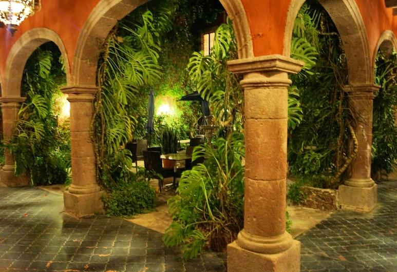 Casaluna Hotel Boutique, San Miguel de Allende, Hallway