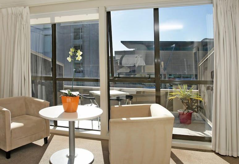 U Residence Hotel, Wellington, Studio, 1 Queen Bed, Living Area