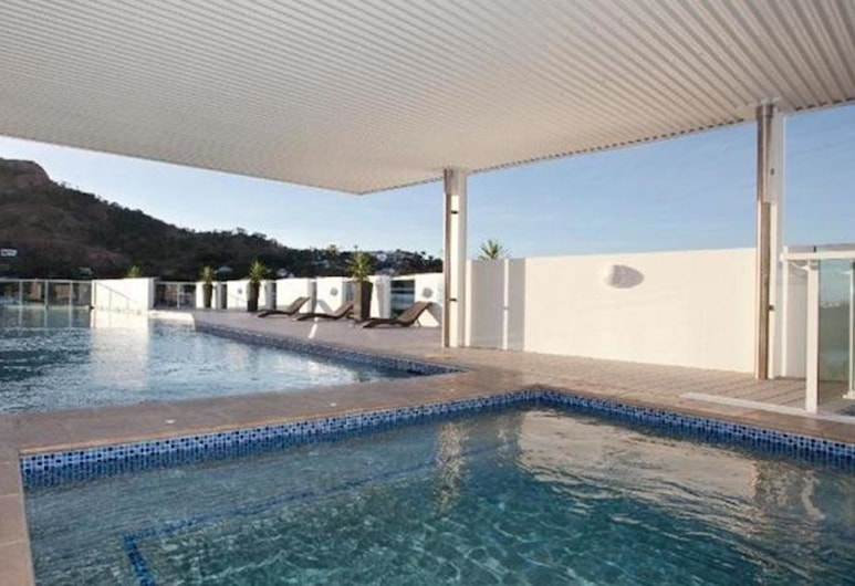 Direct Hotels – Holborn at Central, Townsville, Alberca