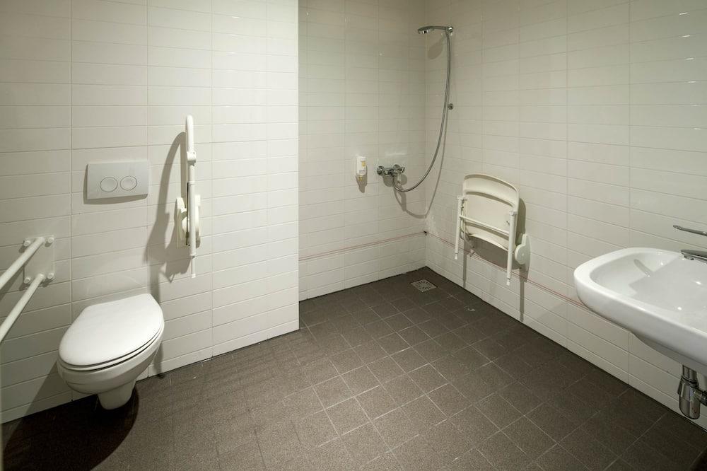Superior Double Room, Accessible - Bathroom
