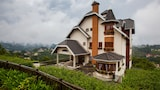 Choose This 2 Star Hotel In Campos do Jordao