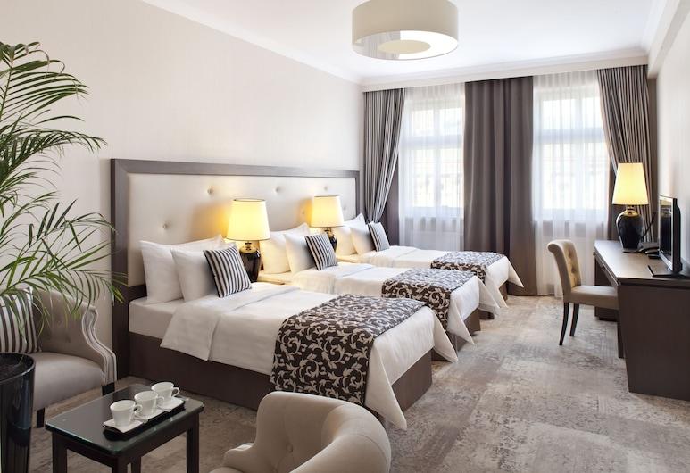 Metropolitan Boutique Hotel, Krakow, Triple Room, Guest Room