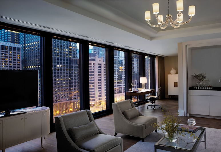 The Langham, Chicago, Chicago, Club Suite, 1 Bedroom, River View, Guest Room