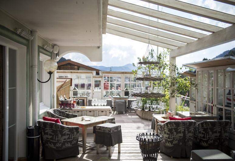 Hotel Acadia - Mountain Home - Adults Only, Selva di Val Gardena, Terraza o patio