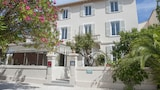 Book this Parking available Hotel in La Croix-Valmer