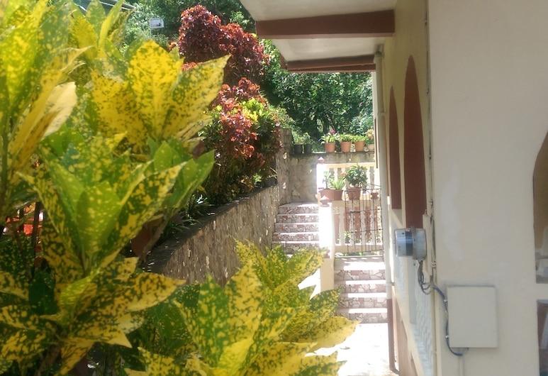 River Side House, Soufriere, Kawasan Hartanah