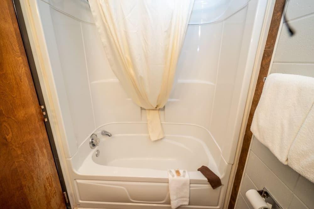 Classic Δωμάτιο, 2 Queen Κρεβάτια - Μπάνιο