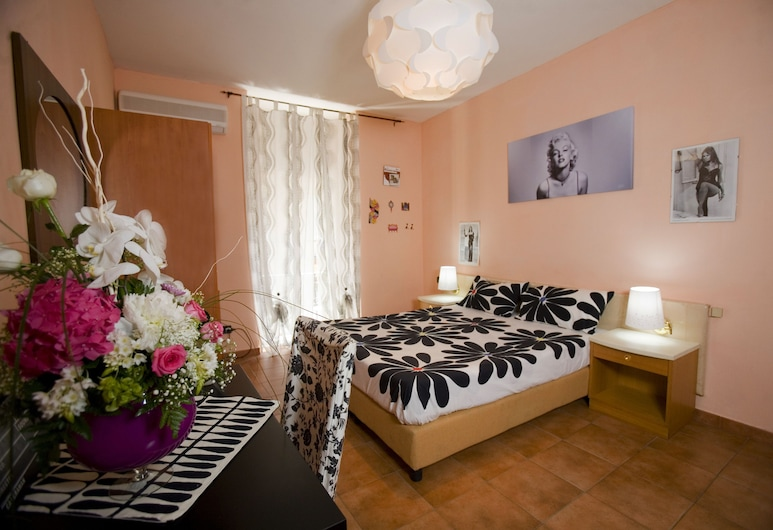 Hotel Cine Holiday, Naples, Superior Double Room, Guest Room