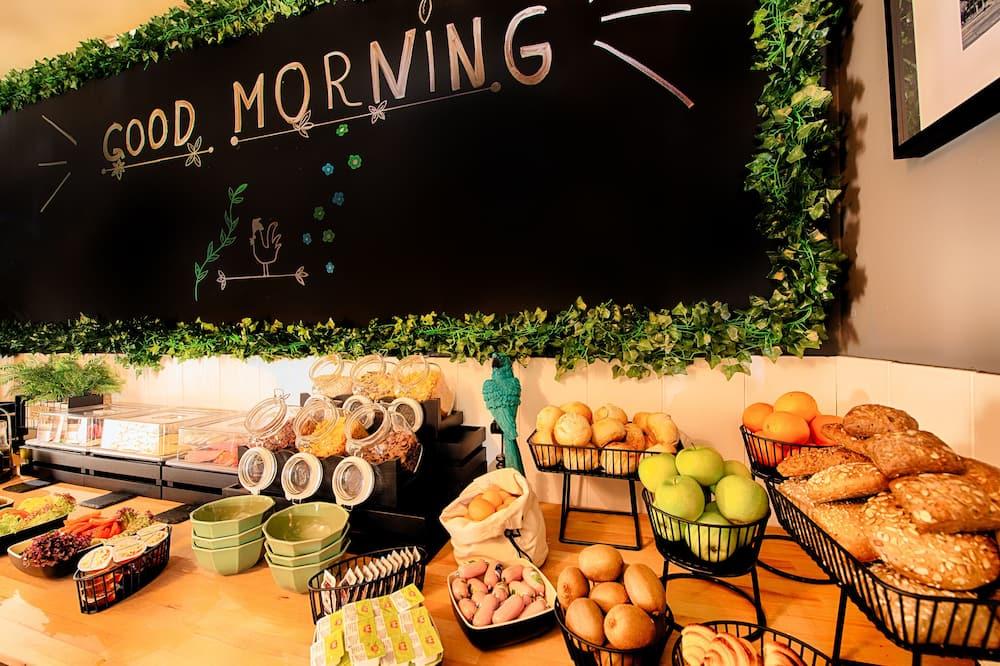 อาหารเช้าบุฟเฟต์