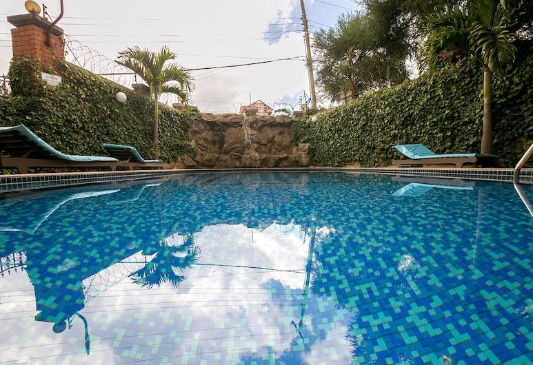 Meltonia Luxury Suites, Nairobi, Piscina