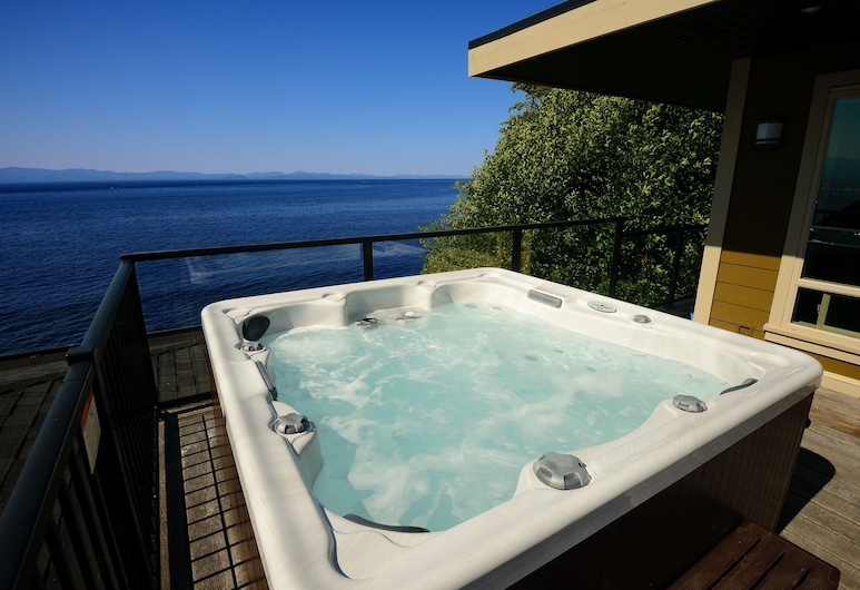 Points West Oceanfront Resort, Sooke, Banheira de Hidromassagem Exterior