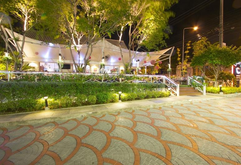 Charn Residence, Chonburi, Terrace/Patio