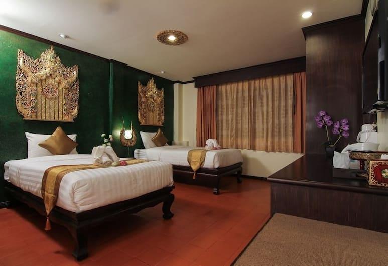 PL House, Patong, Oda