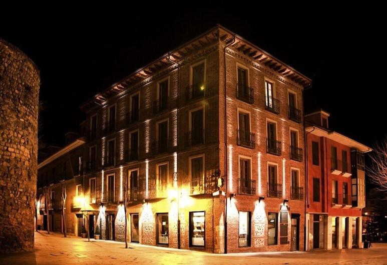Hotel SPA QH Centro Leon, Leon, Hotellfasad - kväll