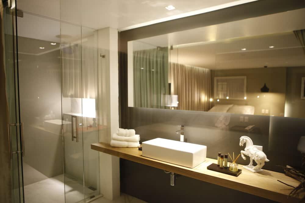 Представительский двухместный номер с 1 двуспальной кроватью - Ванная комната