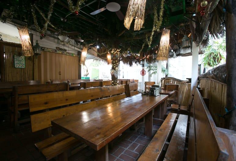 Smallest Bar Inn, Key West, Hotelový salónik