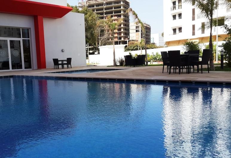 丹吉爾恩柯爾溫德姆華美達酒店, 丹吉爾, 室外泳池