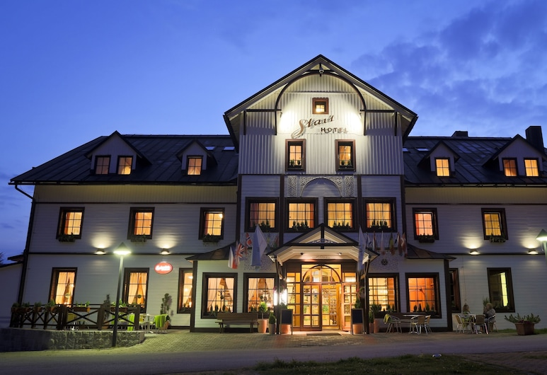 Hotel Start, Spindleruv Mlyn, Hotellets facade - aften/nat