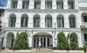 Choose This Boutique Hotel in Phuket -  - Online Room Reservations