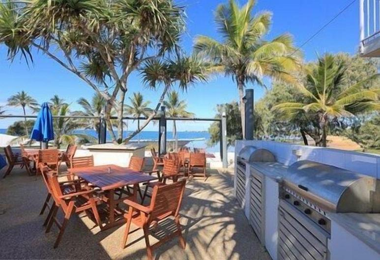 Bargara Shoreline Serviced Apartments, Bargara, Restoran na otvorenom