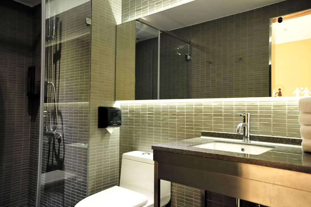 Trojlôžková izba, 3 jednolôžka - Kúpeľňa