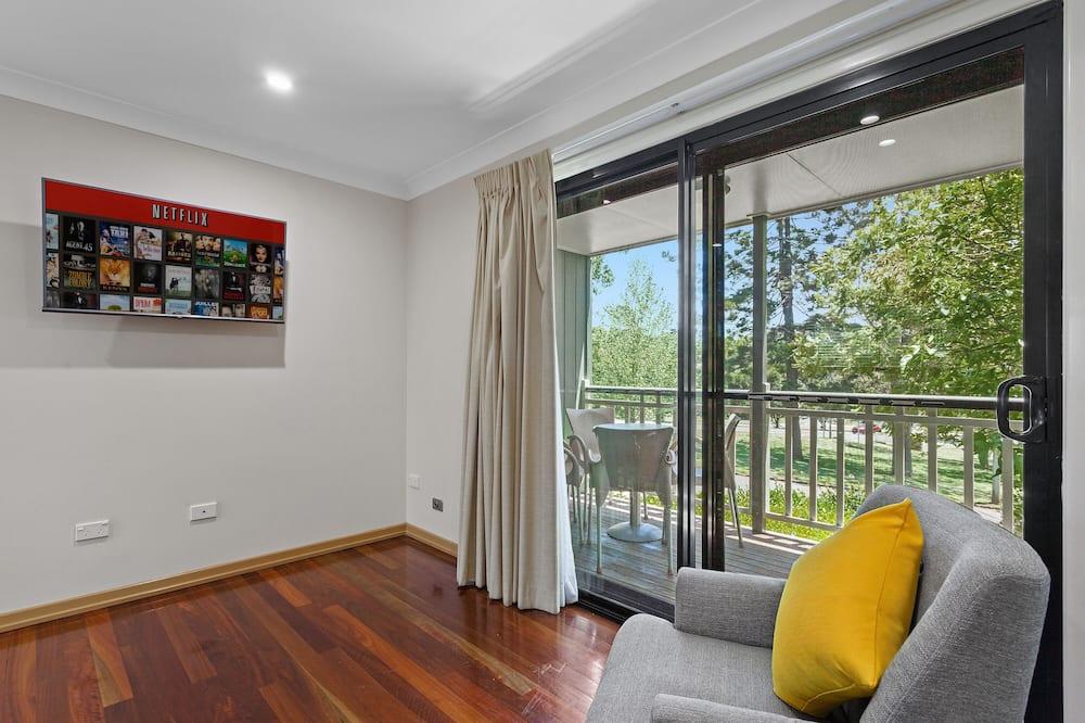 Апартаменти, 1 спальня, кухня - Балкон