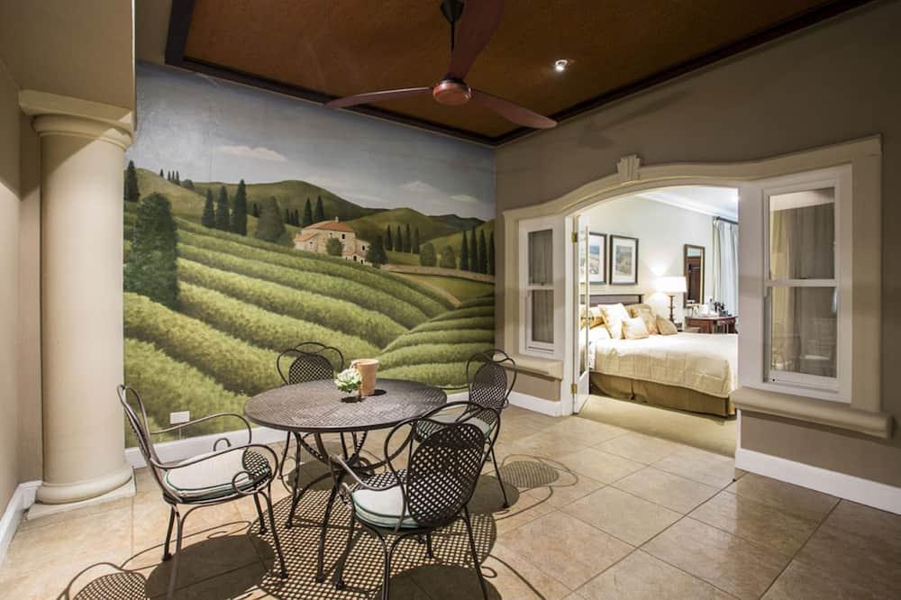 Розкішний номер-люкс, 1 ліжко «кінг-сайз» - Обіди в номері