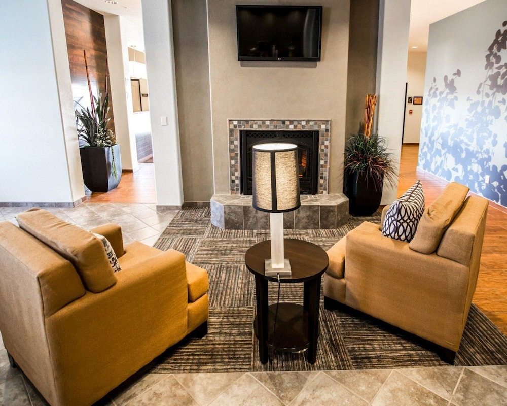 Book Sleep Inn & Suites & Conference Center in Garden City | Hotels.com