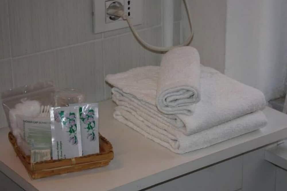 Standard Double or Twin Room - Bathroom Amenities