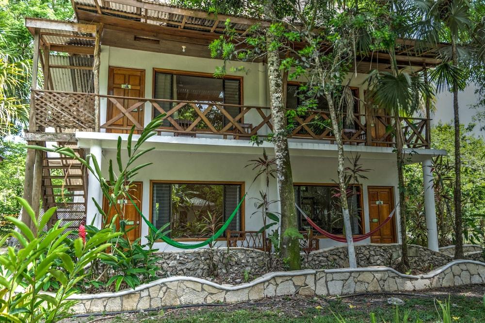 Hotel Jaguar Inn Tikal National Park
