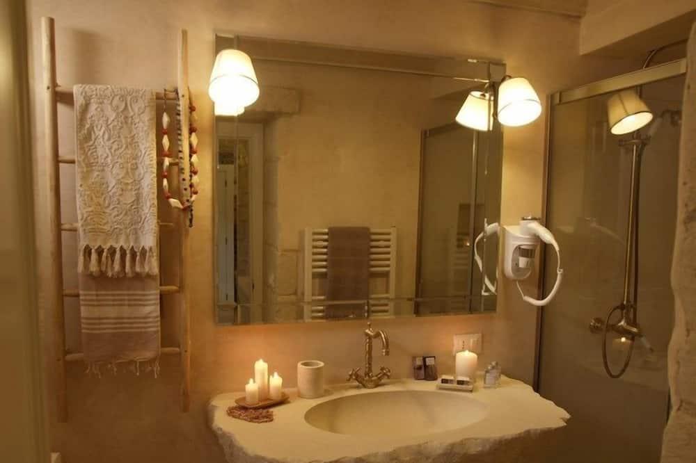 Habitación doble superior, bañera de hidromasaje - Cuarto de baño