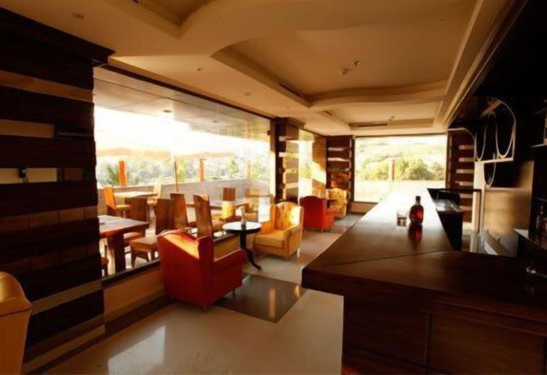 Hotel Le Noble, Zouk El Kharab, Hotelbar