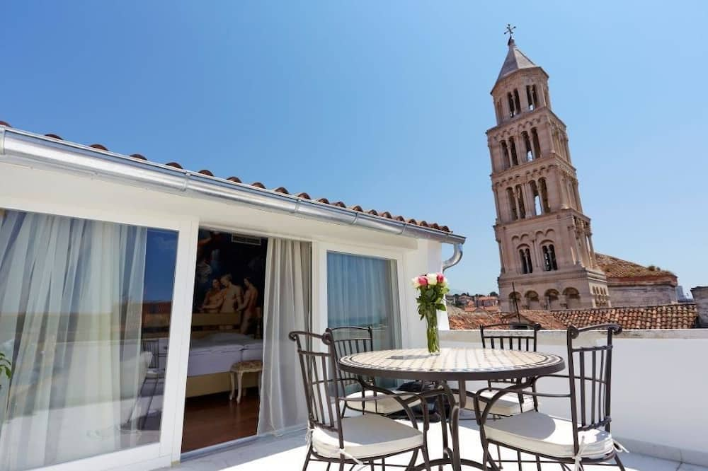 Apartament typu Deluxe Suite, taras, widok na morze - Zdjęcie opisywane