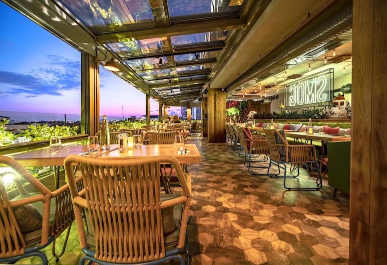 Lasagrada Hotel Istanbul, Istanbul, Speisen im Freien