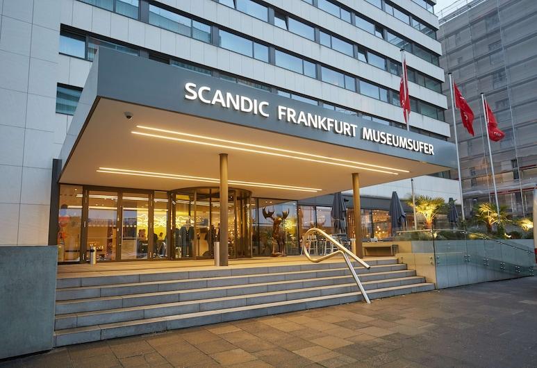Scandic Frankfurt Museumsufer, Frankfurt nad Mohanem, Vchod do hotelu