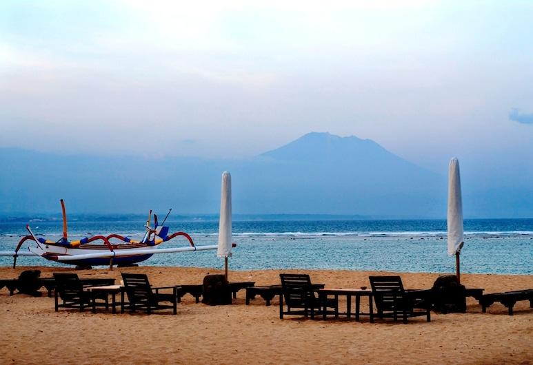 Tandjung Sari, Denpasar, Pantai