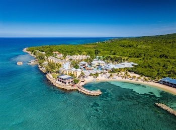 Mynd af Jewel Paradise Cove Adult Beach Resort & Spa – All Inclusive í Runaway Bay