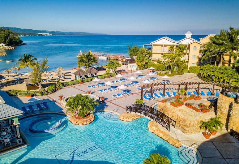 Jewel Paradise Cove Adult Beach Resort & Spa – All Inclusive, Runaway Bay, Pool