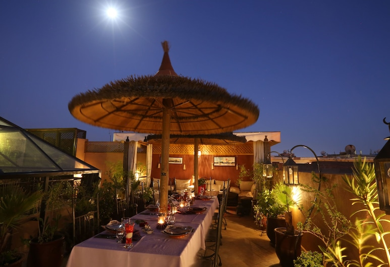 Riad Charme d'Orient - Adults Only, Marrakech, Tempat Makan Luar