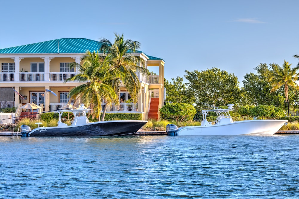 book key west harbour oceanfront suites in key west | hotels