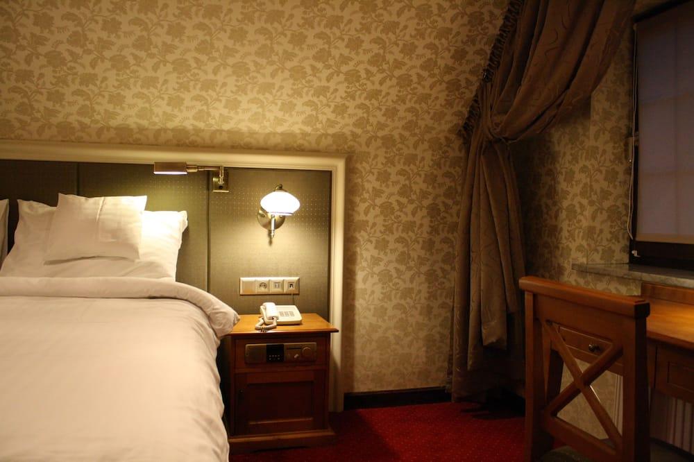 Pokój dla 3 osób Superior, Łóżko king i sofa, prywatna łazienka, widok na miasto (Air conditioning) - Powierzchnia mieszkalna