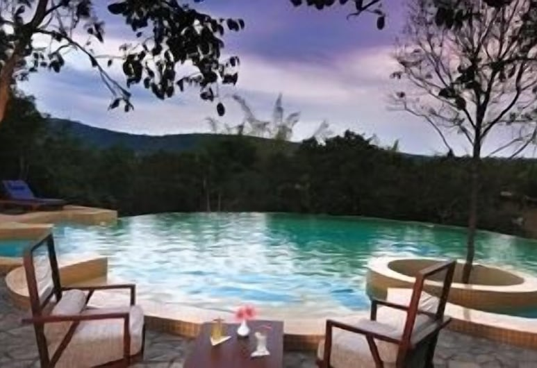 The Windflower Jungle Resorts and Spa, Gundlupet, Outdoor Pool