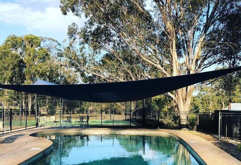 Cam-Way Estate, Pokolbin, Pool