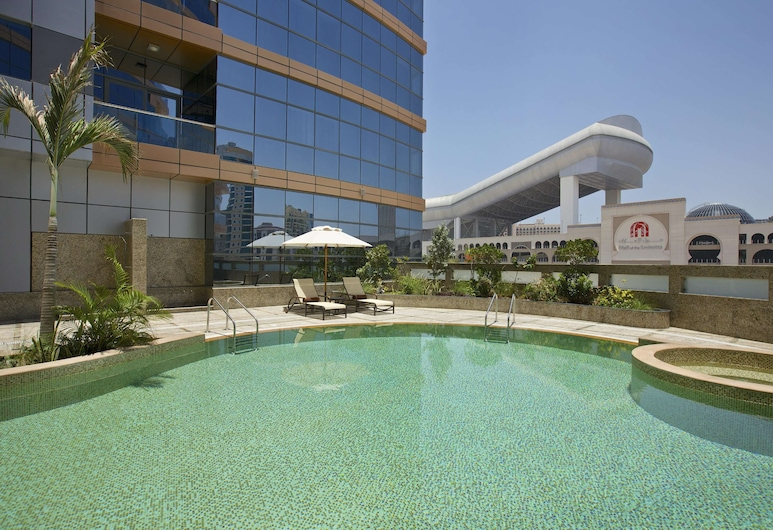 DoubleTree by Hilton Hotel and Residences Dubai Al Barsha, Dubai, Pool