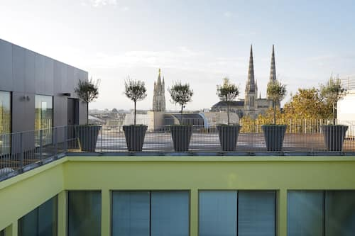 Book Mama Shelter Bordeaux In Bordeaux Hotels Com