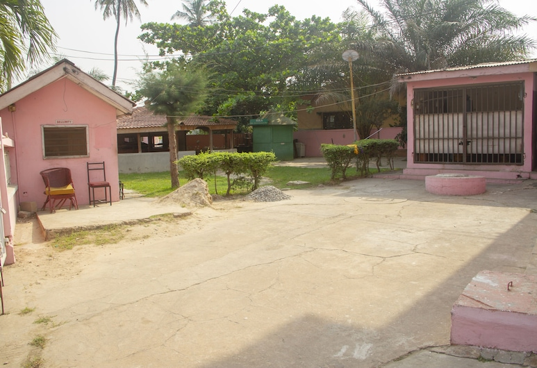 Pink Hostel, Accra, Property Grounds