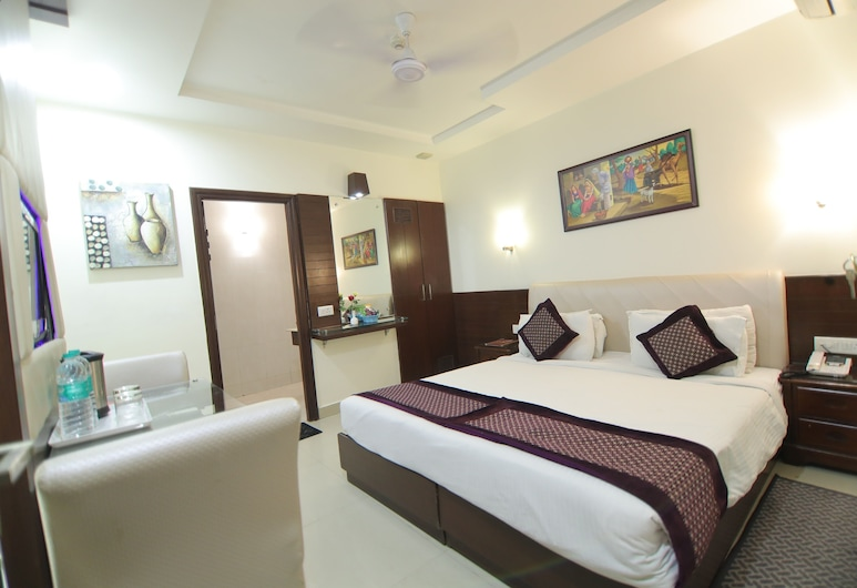 Hotel Taj Inn, Agra, Deluxe Room, Guest Room View