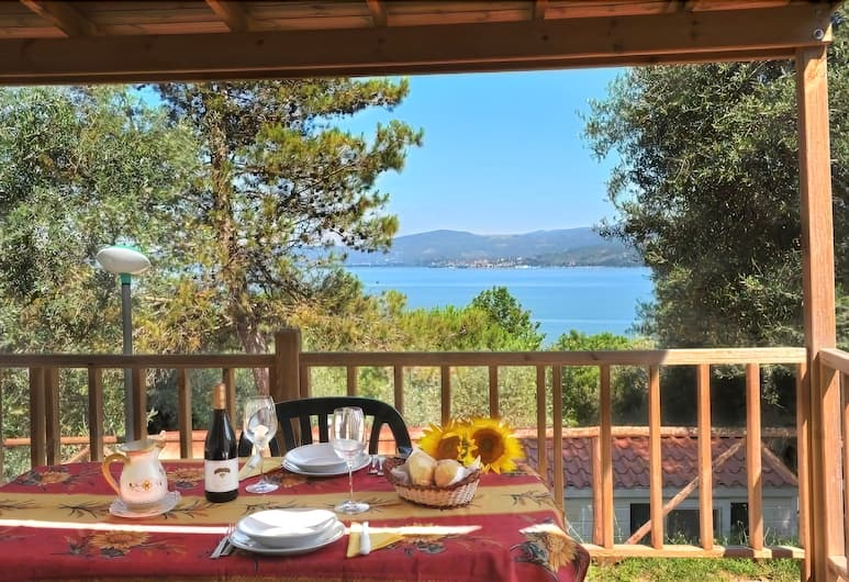 Camping Villaggio Cerquestra, Magione, Superior Mobile Home, 2 Bedrooms, 2 Bathrooms, Poolside, Balcony