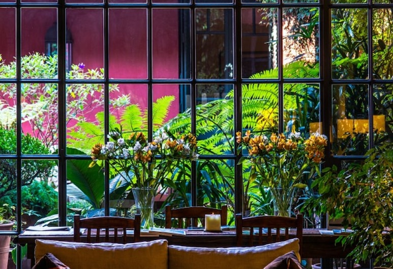 Be Jardin Escondido by Coppola, Buenos Aires, Lobby Sitting Area